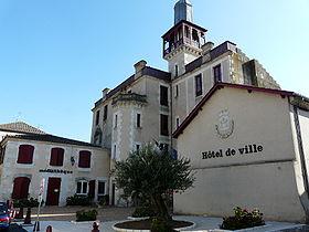 280px-Mairie_de_Castelmoron